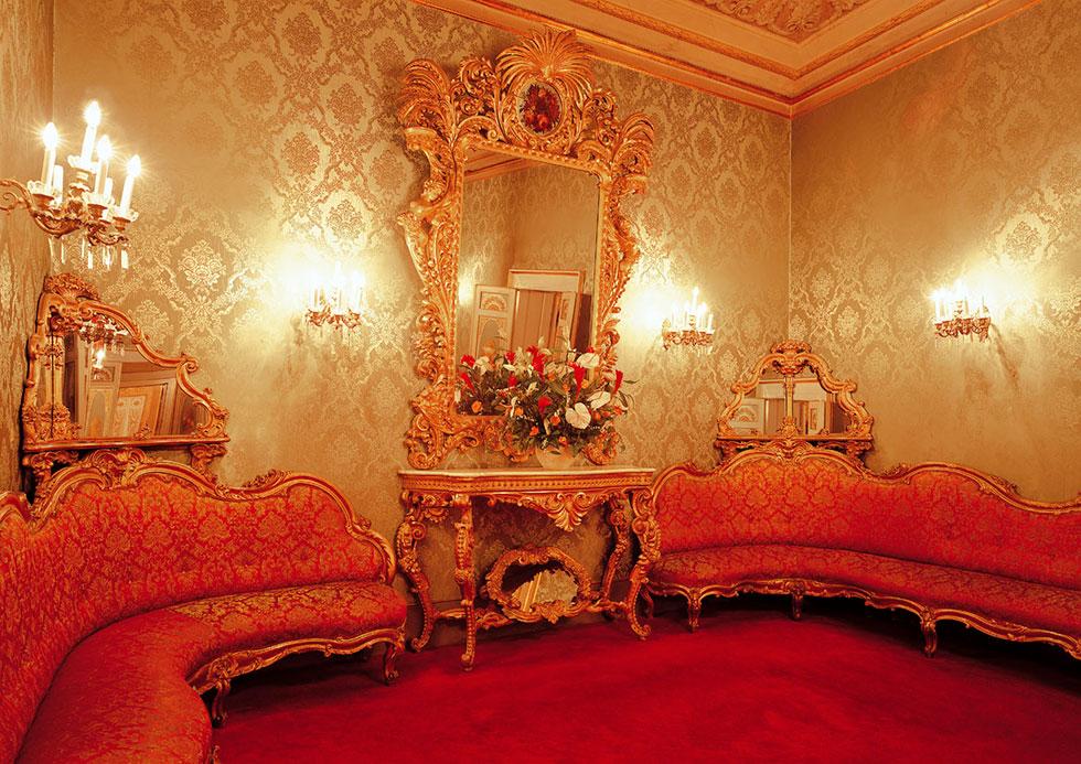 Salotto monumentale verde, Palazzo Borghese, location per eventi a Firenze