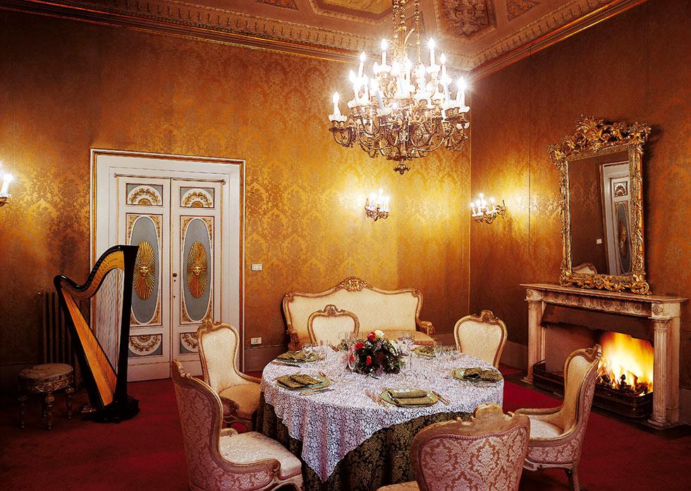 Salotto monumentale giallo, Palazzo Borghese, location per eventi a Firenze