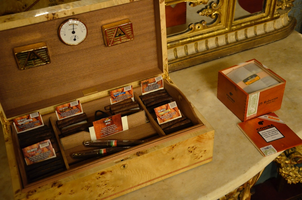 Cigars, chocolate, wood's box, Palazzo Borghese event venue in Florence